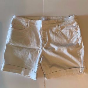 LOFT White Denim Rolled Cuff Shorts Size 32/14
